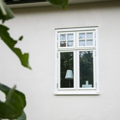Mockfjärds inspobild fönster med lampa