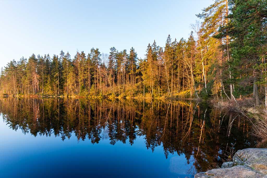 Mockfjärds inspirationsbild på en sjö i Lindome