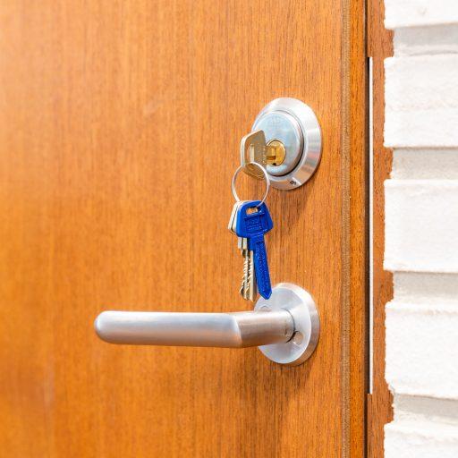 Mockfjärds dörr med nycklar